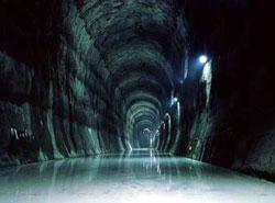 地下石油備蓄基地の岩盤タンク